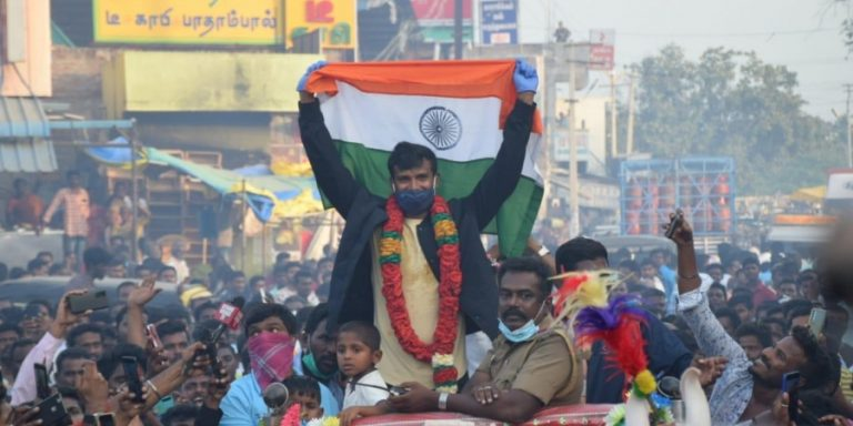 Chariots, Flower Carpets and Fire Crackers welcome Indian Cricketers after Historic win