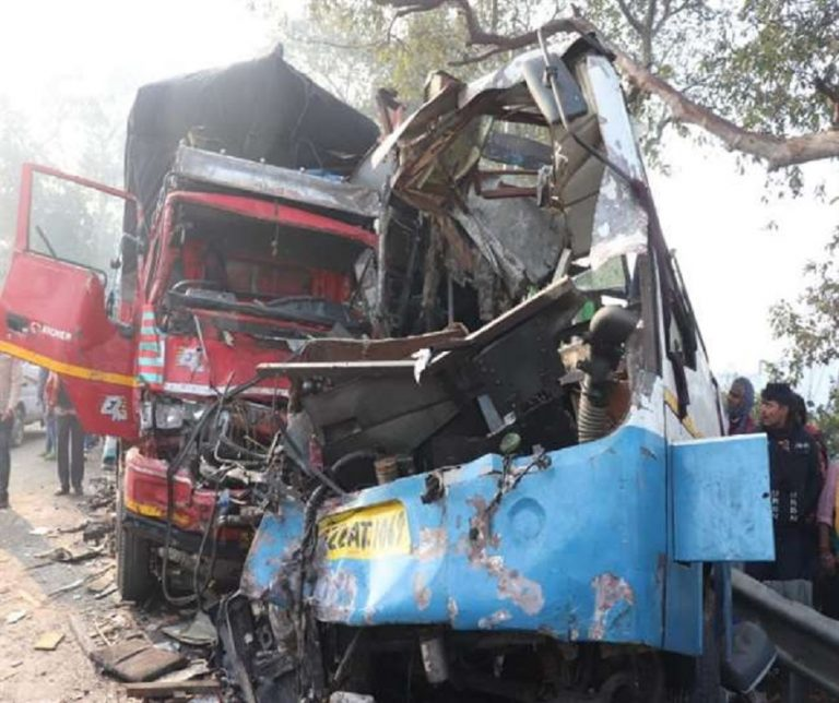 Dense Fog : 10 killed, 25 injured in bus-truck collision on Moradabad-Agra Highway