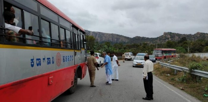 KSRTC refused to pick upstudents; educationminister stops the bus