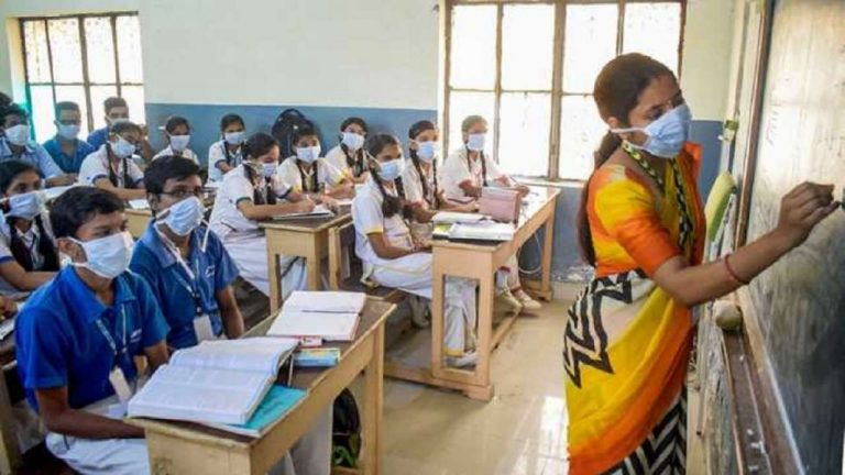 2 Kerala Schools Shut down after re-opening as 262 including Teachers & Students test Covid 19 Positive