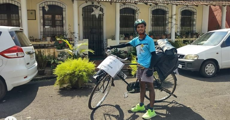 23 Year old Keralite cycles his way from Kerala To Kashmir, sells Tea for Travelling Expense
