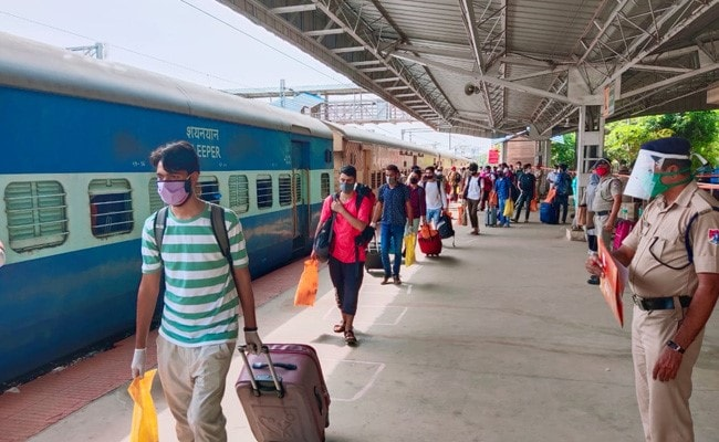Railways increase Short distance fares to discourage travel